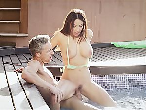 buxomy wonder stunner Anissa rails a dick by the pool