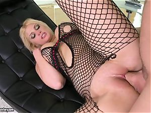 Brooklyn Bailey likes the beefy sword working firm to erupt on her