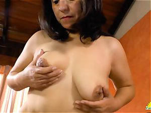 USAwives Mature gash frolicking closeup footage