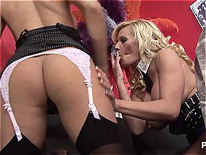 Michelle slurping Natasha's labia