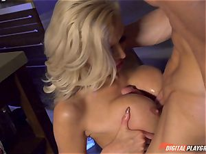 Vampiress Nina Elle deep-throats knob before biting her victim