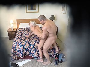 horny Nina Elle screws her stud at the motel