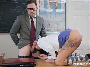 Roxxy Lea rails the masters hard lengthy cock