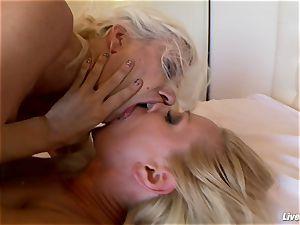 LiveGonzo Sandy and Puma Swede tasty lezzie act