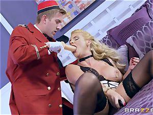 Real nasty milf Phoenix Marie gets deep service in motel room