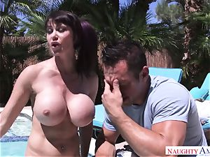 ginormous stud Johnny Castle pokes his buxom neighbor in the backyard