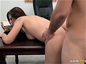 Scarlett Mae deep poon beating interview