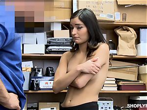 Emily Willis luvs a deep cooch hammering from dangled mall cop