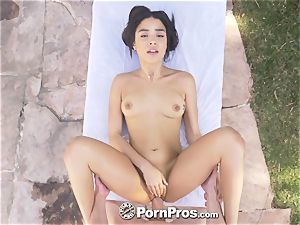 PORNPROS Backyard touch and tug with creamy internal cumshot