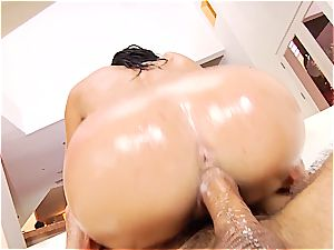 slide and slide into Victoria June's lubed cootchie