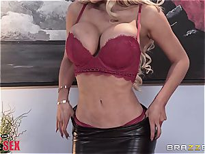 sensual ash-blonde wiggles her forms on the boss'cock