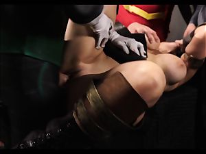 Justice League gonzo part five - Hero hook-up with Romi Rain