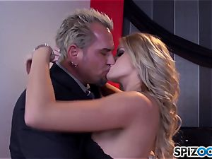 Jessa Rhodes saucy cock-squeezing muff is smashed by a big salami
