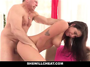 SheWillCheat cheating gf Karlee Grey tears up Trainer