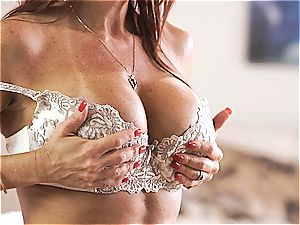 MomsTeachSex mummy and sonny make threeway hook-up gauze