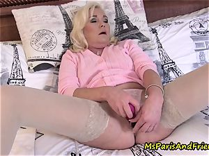 How Ms Paris preps Her panties for Delivery