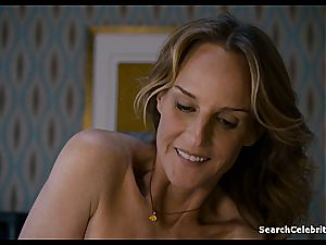 Heavenly Helen Hunt has a hairless poon for viewing