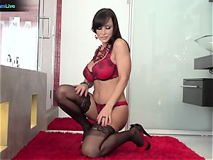 Lisa Ann has no problem getting her bung humped